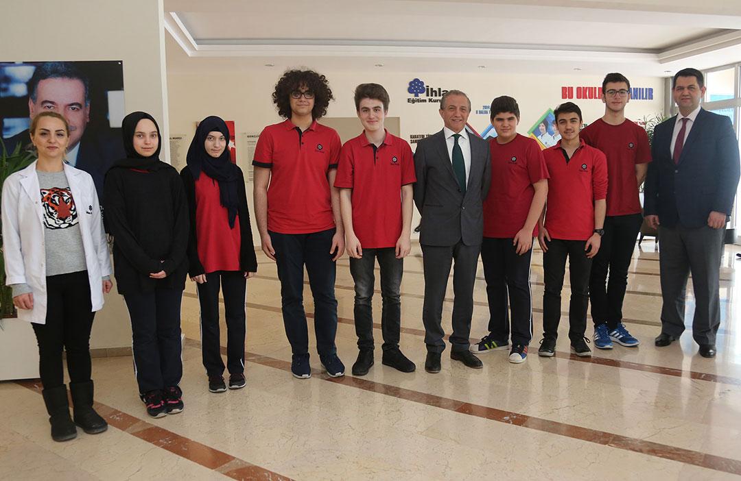 Öğrencilerimize Model Birleşmiş Milletler Konferansı'nda En İyi Delege Ödülü Verildi