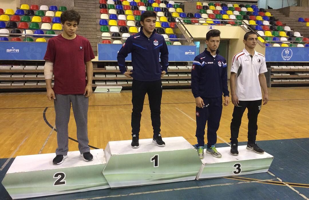 Güreşte Üç Madalya Kazandık