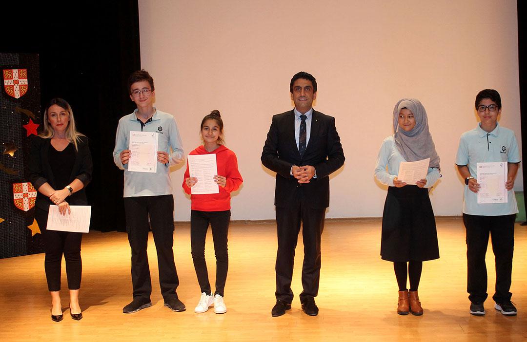 Öğrencilerimiz Cambridge Sertifikalarını Aldılar
