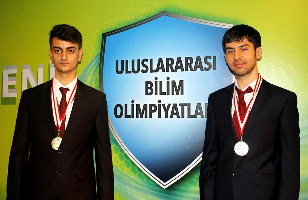 TÜBİTAK Olimpiyatları'ndan İki Altın Madalya Kazandık