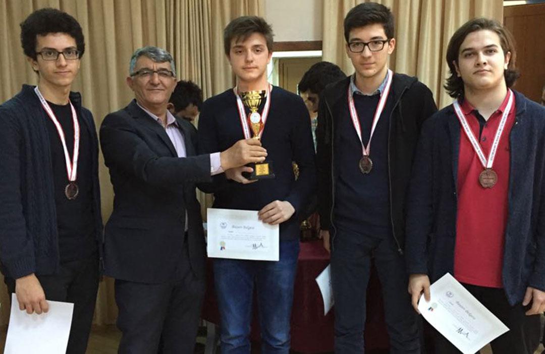 Satranç Takımımız Türkiye Şampiyonası'na Katılacak
