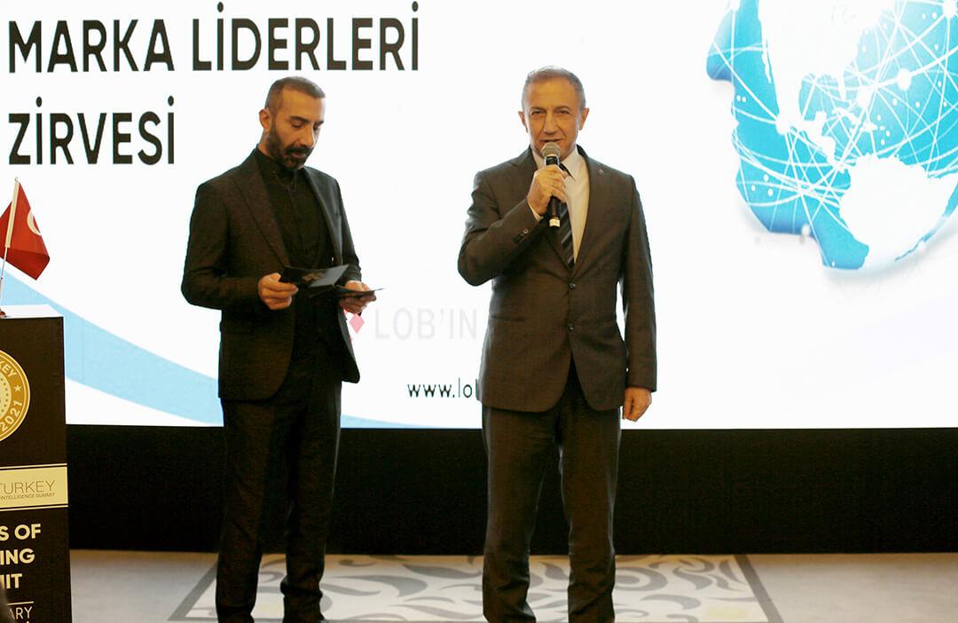 İhlas Kolejine Türkiye'nin Ulusal Eğitim Markası Ödülü