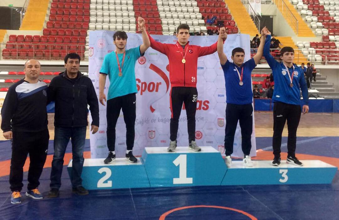 Okullar Arası Gençler Türkiye Güreş Şampiyonası'nda Türkiye İkinciliği