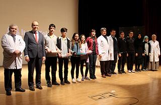 Özel Marmara Evleri İhlas Anadolu ve Fen Lisesi Matematik Bölümümüz tarafından düzenlenen Akıl Oyunları Yarışması'nda 9. ve 10. sınıflarımız yarıştı.