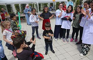 İhlas Koleji kampüslerinde düzenlenen bahar şenliklerinin sonuncusu İhlas Koleji Ispartakule Bizimevler Kampüsü'nde yapıldı.
