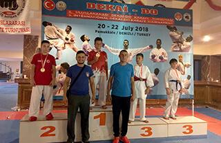 Bu yıl 5. kez düzenlenen Uluslararası Dekai Do Karate Turnuvası'nda İhlas Koleji Karate Spor Kulübü iki şampiyonluk elde etti.