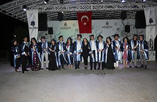 İhlas Eğitim Kurumları Bahçelievler Kampüsü'nde bulunan Özel İhlas Anadolu Lisesi ve Özel İhlas Fen Lisesi son sınıf öğrencileri için mezuniyet töreni düzenlendi.