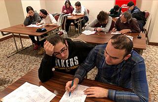 Üniversite sınavına hazırlıklarına devam eden İhlas Koleji, öğrencileri için düzenlemiş olduğu kamplarla tempoyu arttırdı.