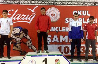 Mevlüthan Ak'tan Güreşte Türkiye Şampiyonluğu