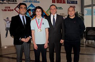 Öğrencimizden Yüzmede Türkiye Şampiyonluğu
