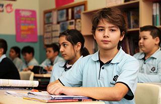 İhlas Koleji Ortaokul Öğrencileri