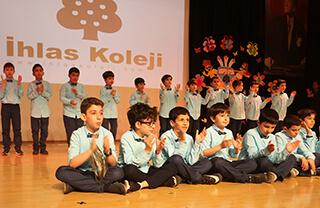 İhlas Eğitim Kurumları 23 Nisan Ulusal Egemenlik ve Çocuk Bayramı'nı Bahçelievler, Beylikdüzü ve Ispartakule Bizimevler kampüslerinde bulunan okullarda düzenlemiş olduğu etkinliklerle kutladı.
