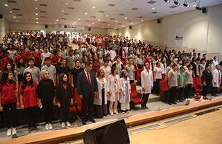 2019-2020 eğitim yılının ilk ders zili çalarken İhlas Koleji okulları da bu güzel günde öğrencilerine kavuşmanın mutluluğunu yaşadı.