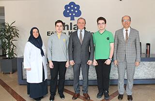 Özel Marmara Evleri İhlas Fen Lisesi öğrencileri Ahmet Emre Çekkaya ve Beraa N. Gulhan Portekiz'de düzenlenecek olan Avrupa Gençlik Parlamentosu (EYP) Konferansı'na delege olarak katılarak ülkemizi temsil edecekler.