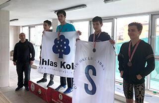 Okullar Arası İstanbul Yüzme Şampiyonası'nda 3 Şampiyonluk