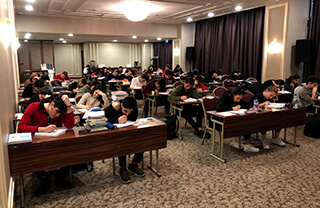 Özel Marmara Evleri İhlas Anadolu ve Fen Lisesi öğrencileri üniversite sınavlarına daha iyi hazırlanmak için İstanbul Hilton Garden Inn Otel'de kampa girdi.