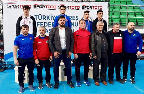 Güreşte Türkiye İkinciliği