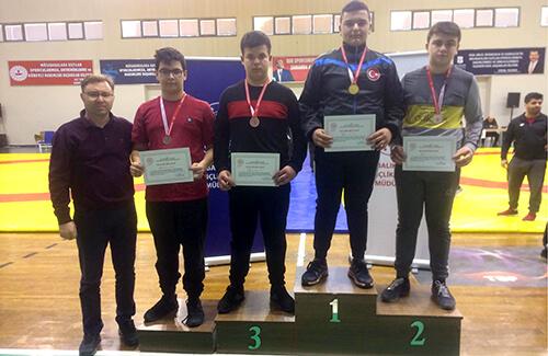 Okullar Arası Türkiye Güreş Şampiyonası'na Katılacak
