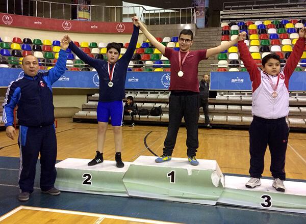 Güreşte İstanbul Şampiyonuyuz
