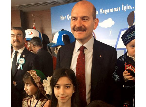 Özel İhlas Mehmet Yoluç Ortaokulu 5-A sınıf öğrencimiz Zeynep Merve Keleş, İçişleri Bakanlığı Göç İdaresi Genel Müdürlüğü tarafından düzenlenen