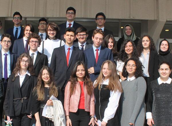 Özel Marmara Evleri İhlas Anadolu ve Fen Lisesi öğrencisi Mustafa Necati Yazıcı IKUMUN19 Model Birleşmiş Milletler organizasyonunda