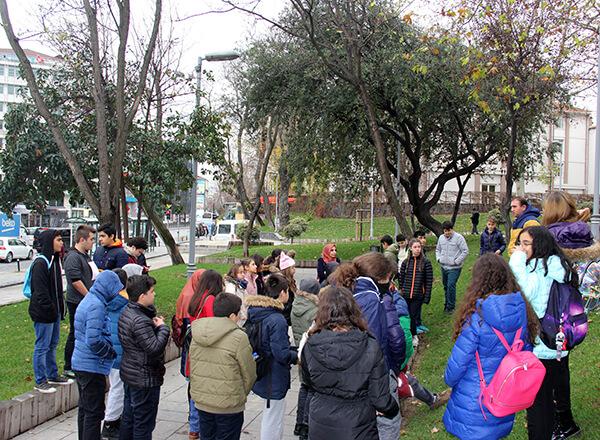 Öğrencilerimiz sosyal bilgiler ders konularından biri olan İstanbul'un fethini bu önemli fethe şahitlik yapan mekânlarda işlediler.
