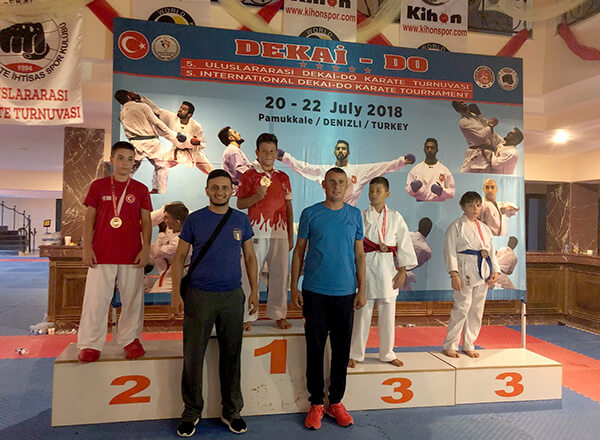 Karate Kulübümüzden İki Şampiyonluk Birden