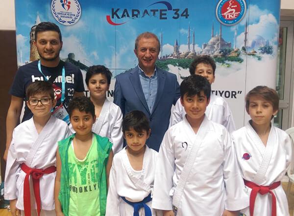 İstanbul'da düzenlenen İller Arası Karate 34 Süper Ligi Süleymaniye Etabı'nda İhlas Koleji Karate Spor Kulübü sporcusu Barkın Efe Koca kategorisinde birinci oldu.