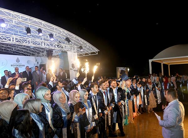 Özel Marmara Evleri İhlas Anadolu ve Fen Lisesi öğrencileri için mezuniyet töreni düzenlendi.