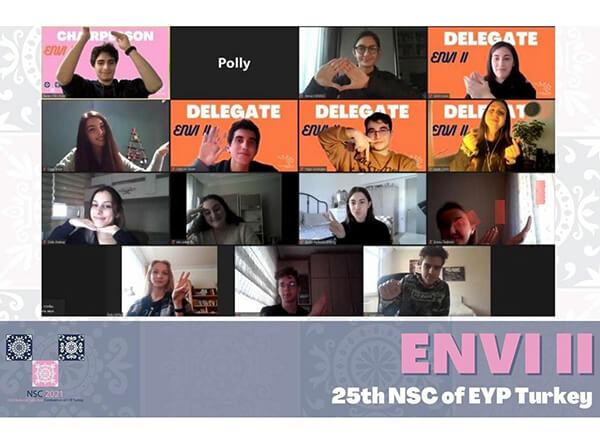 İhlas Koleji Öğrencileri Avrupa Gençlik Parlementosu'na Katıldı