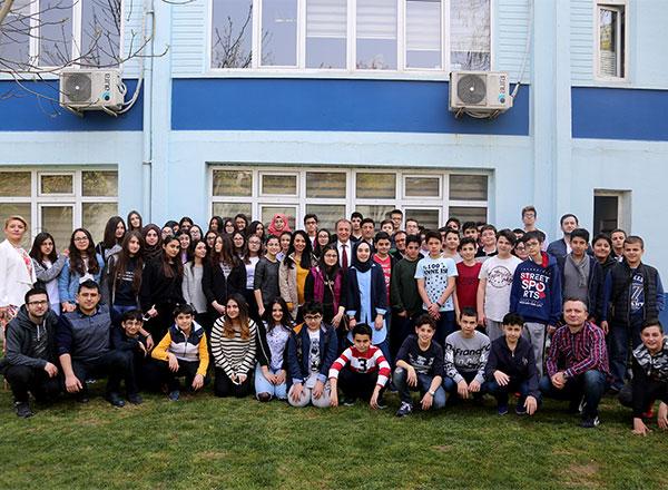 TEOG çalışmalarına yoğun bir şekilde hazırlanan Özel Bahçelievler İhlas Ortaokulu ve Özel Marmara Evleri İhlas Ortaokulu öğrencileri öğretmenleriyle beraber yaptıkları aktivitelerle moral depoladılar.