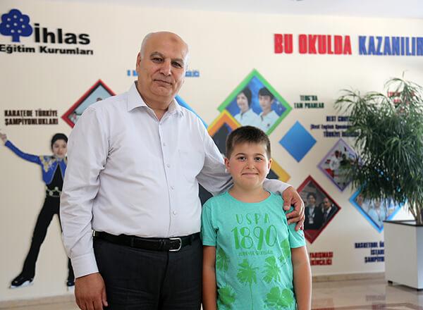 Türkiye Teknoloji Takımı Vakfı tarafından yürütülen Geleceğin Teknoloji Yıldızları Programı kapsamında düzenlenen yarışmayı kazanan Özel Bahçelievler İhlas Ortaokulu öğrencisi Ömer Faruk Meral, 2018 Geleceğin Teknoloji Yıldızları Programına ismini yazdırdı.