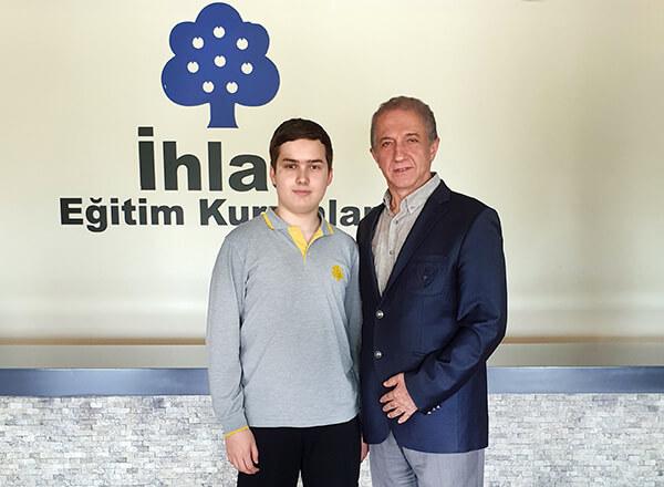 Özel Marmara Evleri İhlas Fen Lisesi öğrencisi Beraa Nazif Gülhan Gürcistan'ın Gori kentinde 28 Haziran - 1 Temmuz 2019 tarihlerinde düzenlenecek olan Avrupa Gençlik Parlamentosu Bölgesel Seçim Konferansı'nda Türkiye'yi temsil edecek.