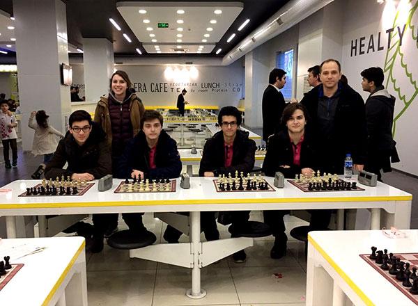 İstanbul Gençlik Hizmetleri Spor İl Müdürlüğü tarafından düzenlenen Okullar Arası Satranç Müsabakalarında Özel İhlas Fen Lisesi Satranç Takımı ikinci oldu.