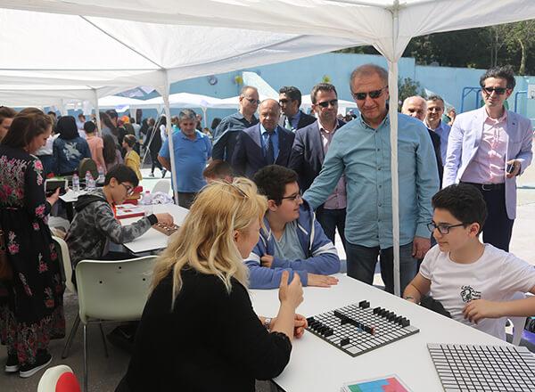 İhlas Koleji tarafından organize edilen bahar şenliklerinin ilki İhlas Koleji Beylikdüzü Kampüsü'nde düzenlendi.