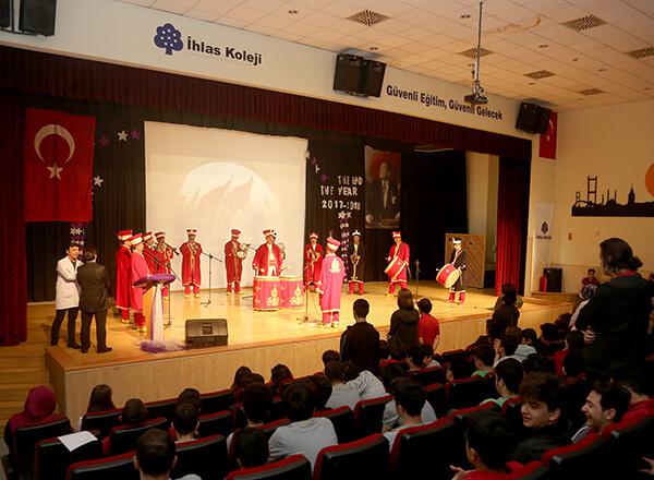 İstanbul'un fethinin 565. yıl dönümü İhlas Koleji Bahçelievler Kampüsünde düzenlenen fetih programı ile kutlandı.