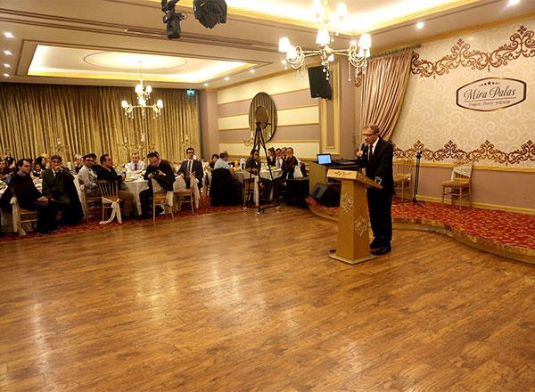 İhlas Eğitim Kurumları 24 Kasım Öğretmenler Günü'nü düzenlemiş olduğu organizasyonla kutladı.